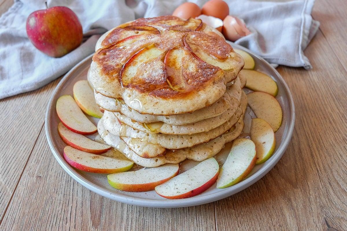 Fluffy German Apple Pancakes (Apfelpfannkuchen)